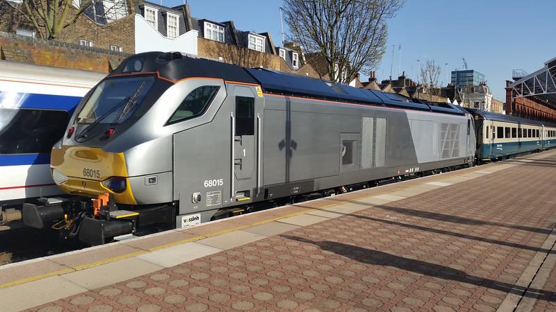 68015 at London Marylebone before working the 17:50 Marylebone - Banbury. Wednesday 15th April 2015.