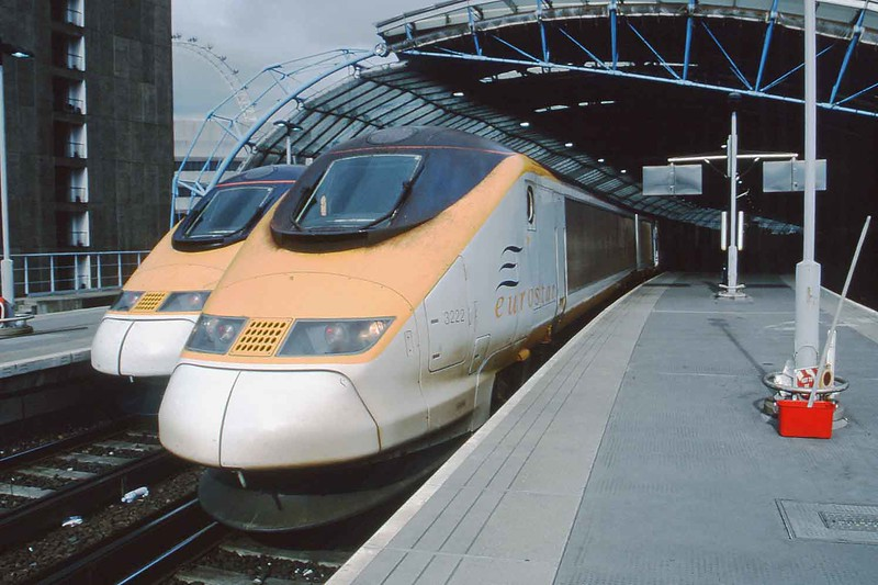 9 October 2003 :: Class 373 Eurostar 3222 at Waterloo International will work the 1239 to Brussels