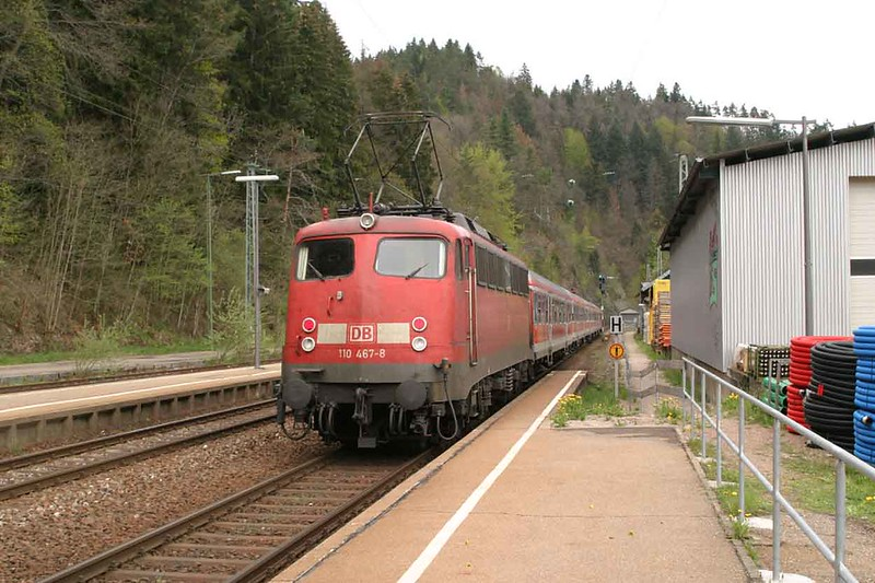 1 May 2004 :: At Triberg is DB 110 467 propelling a push pull seat away from the station