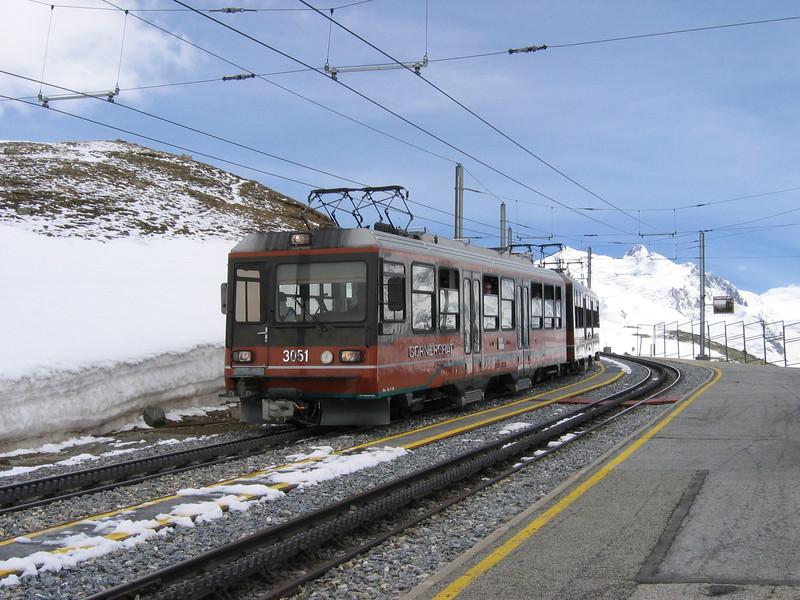 4 June 2004 :: Bhe4/8 no. 3051 is now returning to Zermatt calling at Rotenboden