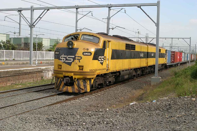11 April 2005 :: Southern Shorthaul GM22 + GM27 at Canterbury NSW with an intermodal service for Sydney Docks