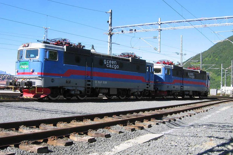 27 July 2006 :: 2 Green Cargo Rc4's at Narvik, 1138 + 1139