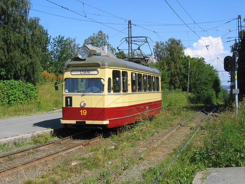 29 July 2006 :: Tram no 19 at Trondheim