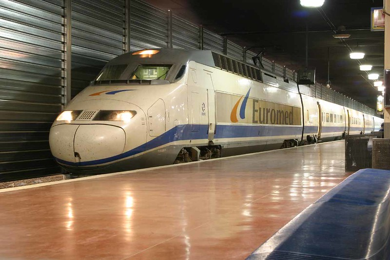 29 October 2006 :: RENFE Euromed branded Class  S-101 no. 205 at Barcelona