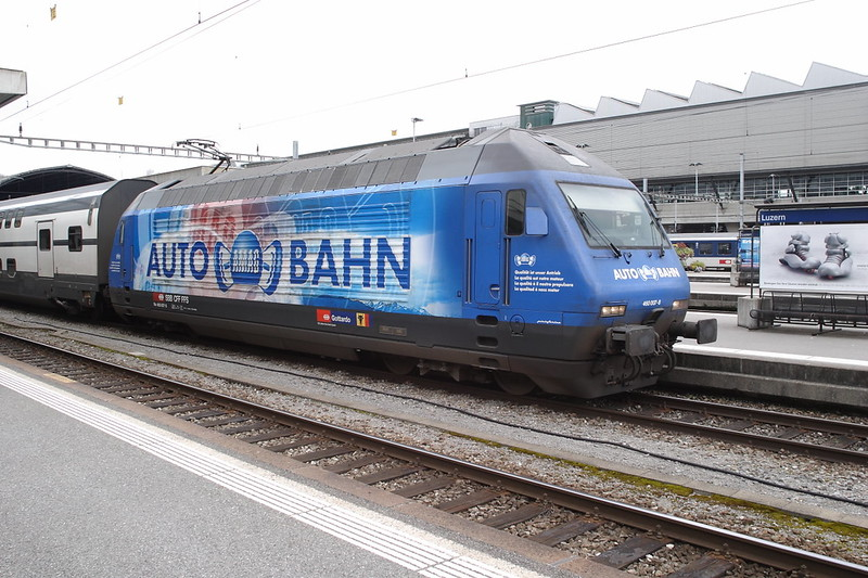 11 August 2007 :: SBB 460 007 in a Auto Bahn advertising livery pictured at Luzern