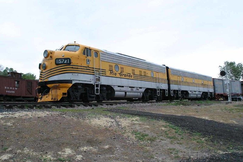 12 June 2007 :: At the Colorado Railroad Museum is Denver & Rio Grande Western  F9 A&B unit nos. 5771 & 5762 which were built in 1955 and used on the California Zephyr
