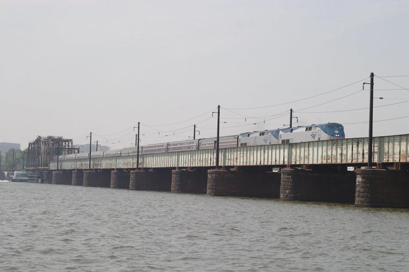 8 June 2007 :: A pair of Amtrak P42DC locomotives nos. 155 + 202 lead a passenger train over the Potomac River Washington DC