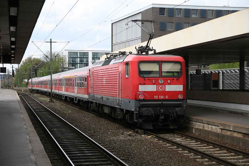 1 May 2008 :: DB 112 130 arriving at Hanover Hbf