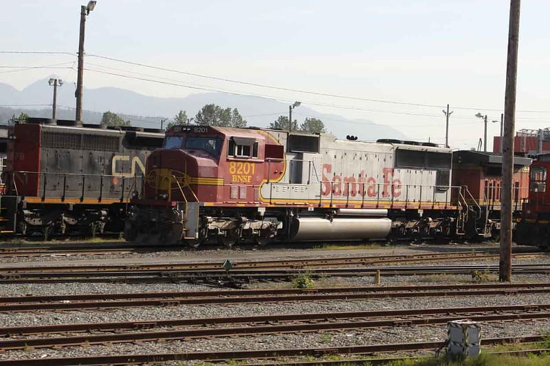 14 May 2010 :: Burlington Northern Santa Fe ES44C4 no. 8201 at Thornton Yard, Vancouver