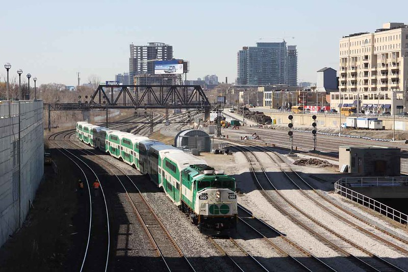 24 March 2010 :: GO (Government of Ontario) General Motors EMD F59PH no. 560 is approaching Toronto Union Station