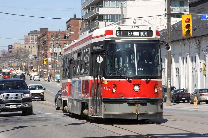24 March 2010 :: A Toronto street car (tram!)