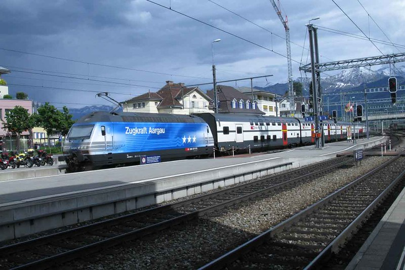 17 May 2011 :: SBB 460 024 in a striking Zugraft Aagau livery at Spiez