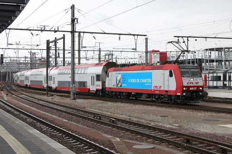 15 May 2011 :: CFL Class 4000 No 4017 in an advertising livery at Luxembourg Station