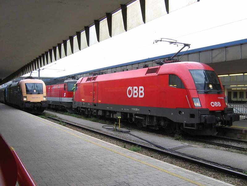 22 September 2005 :: ÖBB 1116 205 in Wien (Vienna) West Station