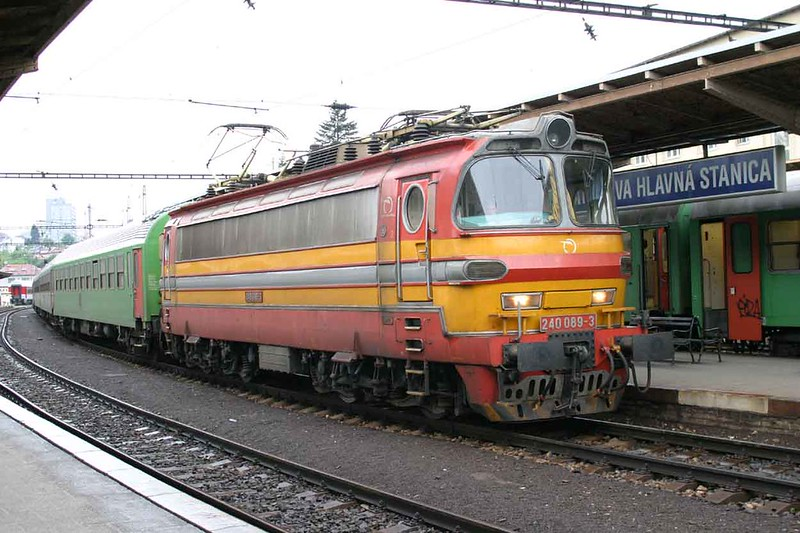 29 April 2006 :: Standing at Bratislava hlavná stanica is ZSSK Class 240 no. 240 089 which has stopped conveniently near the station sign