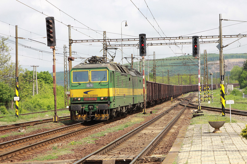 4 May 2013 :: ZSSK Cargo 131-003/004 at Ruskov with a loaded iron ore train.  The class 131 is a standard gauge double locomotive manufactured by Skoda