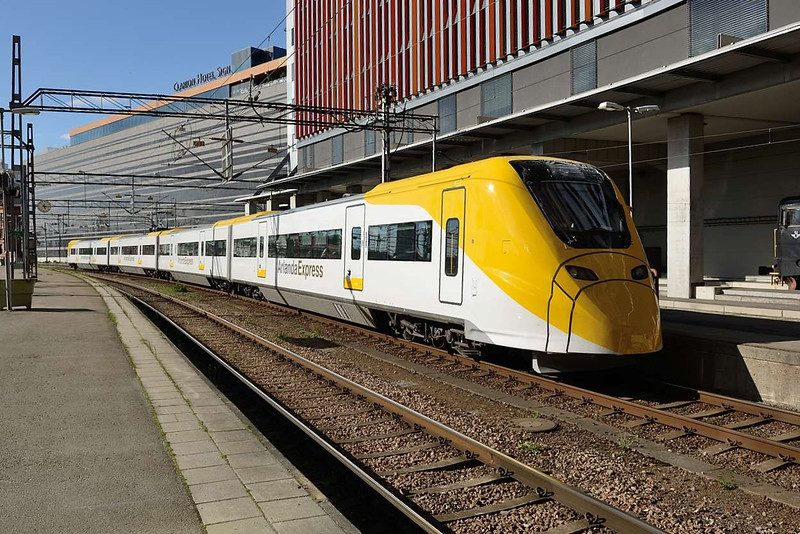 21 May 2015 :: An Arlanda Express four-car X3 electric multiple unit is pictured arriving into Stockholm Central.   These units were built by Alstom in Birmingham between 1998 and 1999