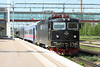 23 May 2012 :: Rc4 1422 stands at Hallsberg station with the 11.48 Hallsberg to Stockholm Central