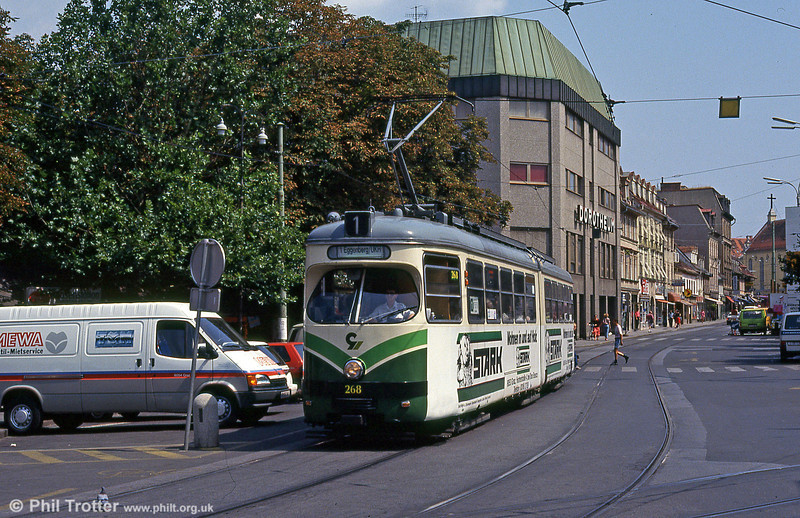 Car 268 at Jakominiplatz on 13th August 1992. Cars 261 to 283 were built by SGP in 1961-1965.