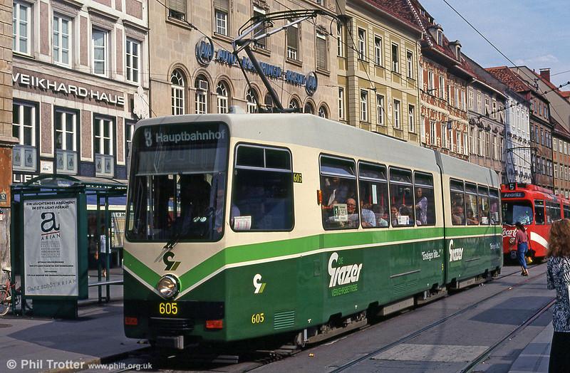 Graz 605 in Hauptplatz, 13th August 1992. 601 to 612 were built by SGP in 1986/7.