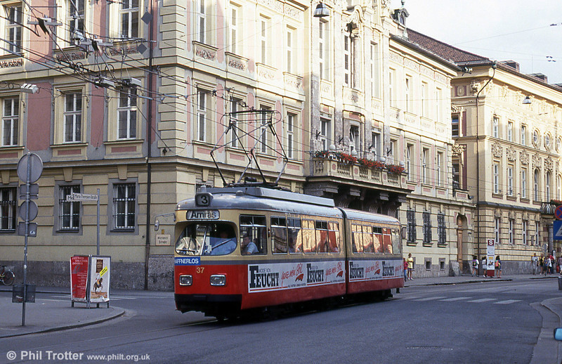 Innsbruck 37 at Maria Theresienstrasse on 10th August 1992.