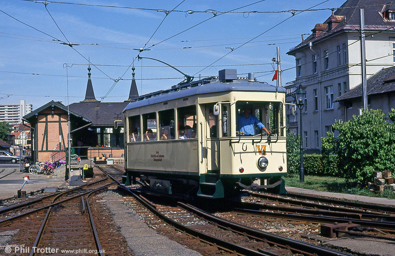 The Linz Postlingbergbahn runs from the northern side of the town to Postlingberg, using double-flanged cars, unusually numbered using Roman numerals. Car VI departs from Bergbahnhof on 12th August 1992.