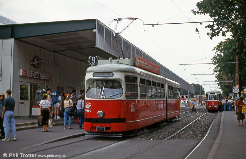 Car 4620 at Westbahnhof on 15th August 1992.
