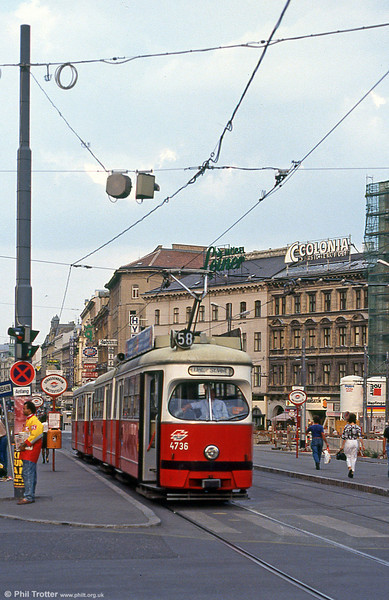 Car 4736 at Westbahnhof on 15th August 1992.