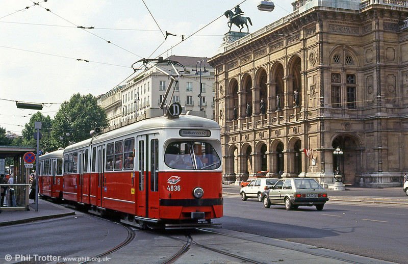 Passing Vienna Opera House on 14th August 1992 is Vienna 4836.