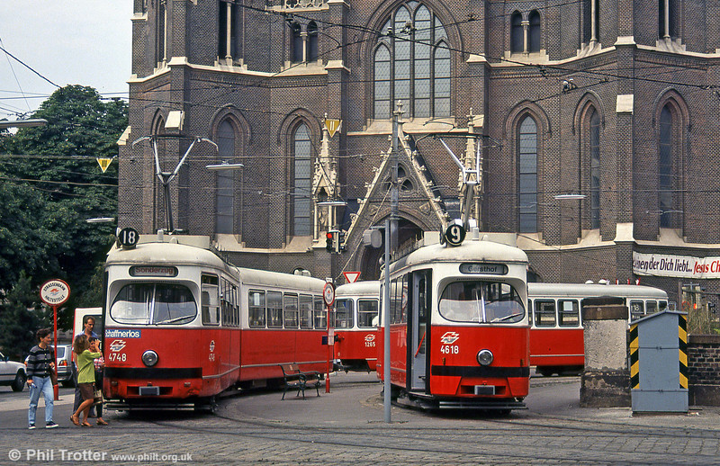 Vienna 4748 and 4618 at Mariahilfer Gürtel on 14th August 1992.