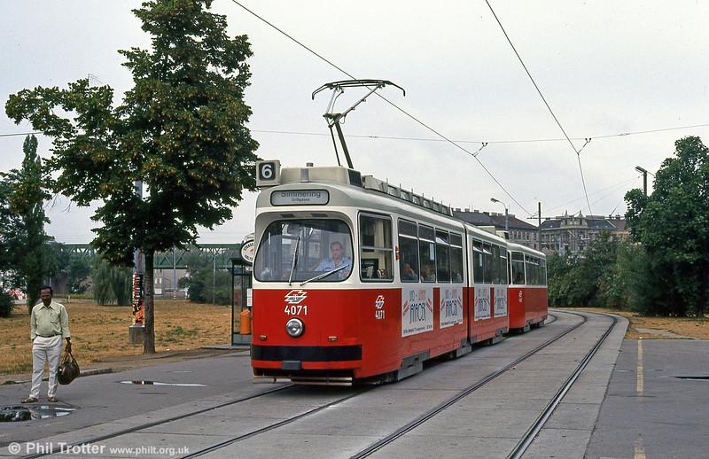 Vienna 4071 at Margaretengurtel on 15th August 1992.