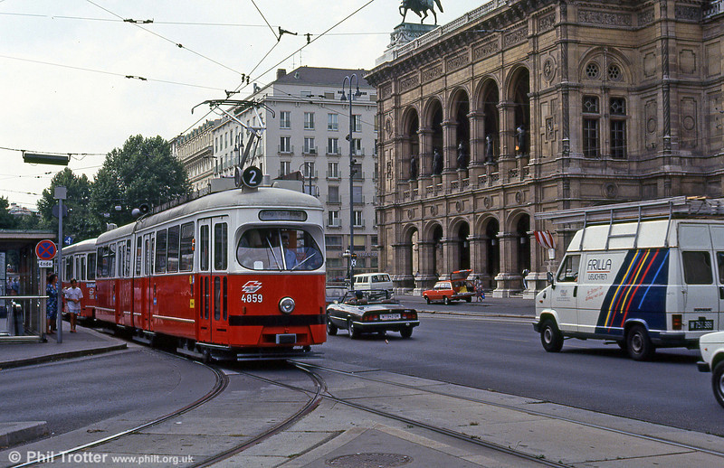 Car 4859 passing Vienna Opera House on 14th August 1992.