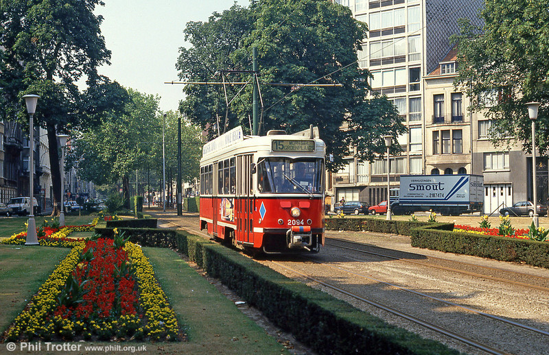 Antwerpen 2094 at Belgielei on 1st August, 1990. (First published in Modern Tramway, 1/91).