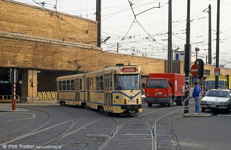 Car 7724 at Station Zuid on 14th April 1994.