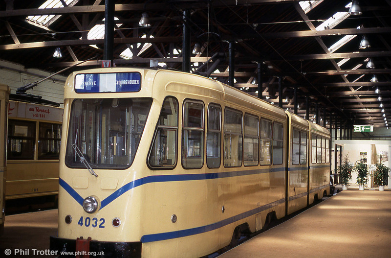 Car 4032 of 1964 at Woluwe museum on 25th August 1991. These 'two-rooms-and-a-bath' articulated cars were built by STIB in 1965 with new bodies resembling PCCs, but with mechanical and electrical parts from two much older 'Standard' cars.