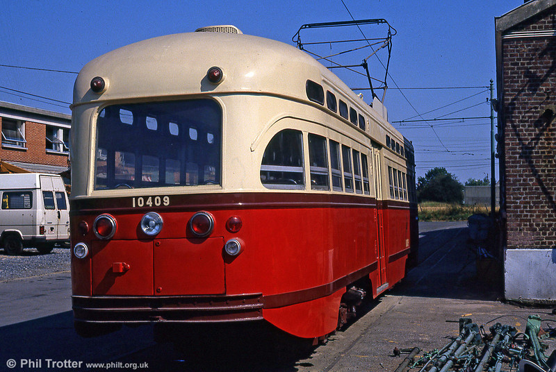 A rear view of PCC car 10409 at Anderlues Depot on 3rd August 1990.