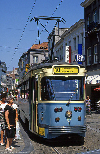 Car 07 at Veldstraat on 31st July 1990.
