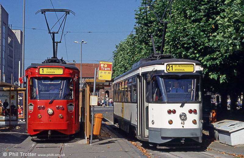 Cars 37 and 40 at Sint-Pietersstation on 29th August 1991.