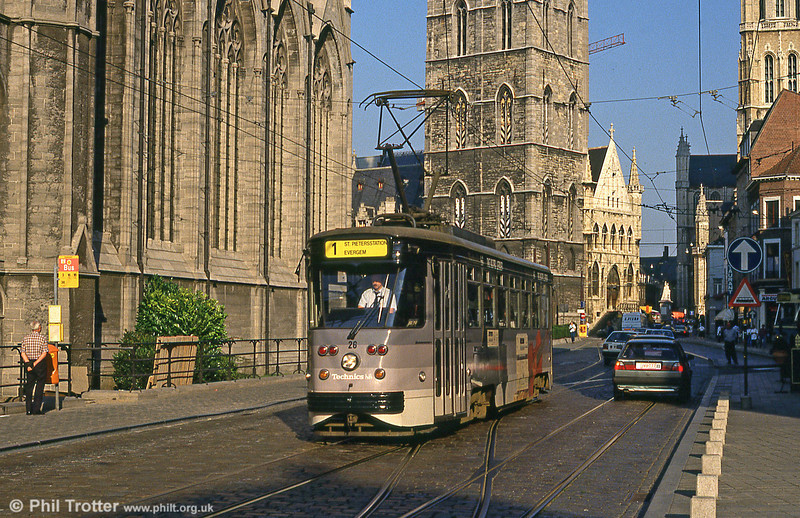 Car 28 in Cataloniëstraat on 30th August 1991.