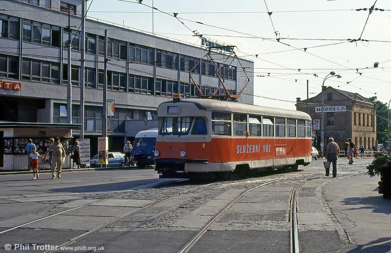T2 service car 4121 at Hlavní nádraží on 17th August 1992