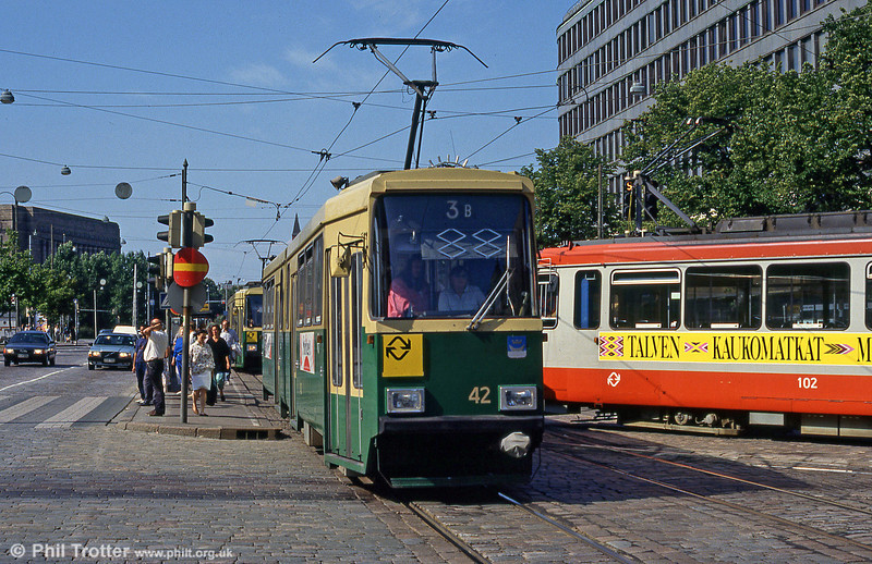 Car 42 at Mannerheimvägen on 1st August 1991.