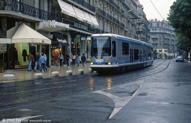 Car 2004 in Rue Felix Poulat on 2nd September 1989.