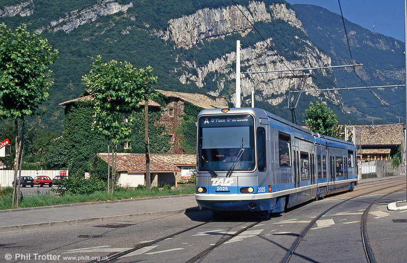 Car 2025 at Fontaine la Poya on 28th July 1993.