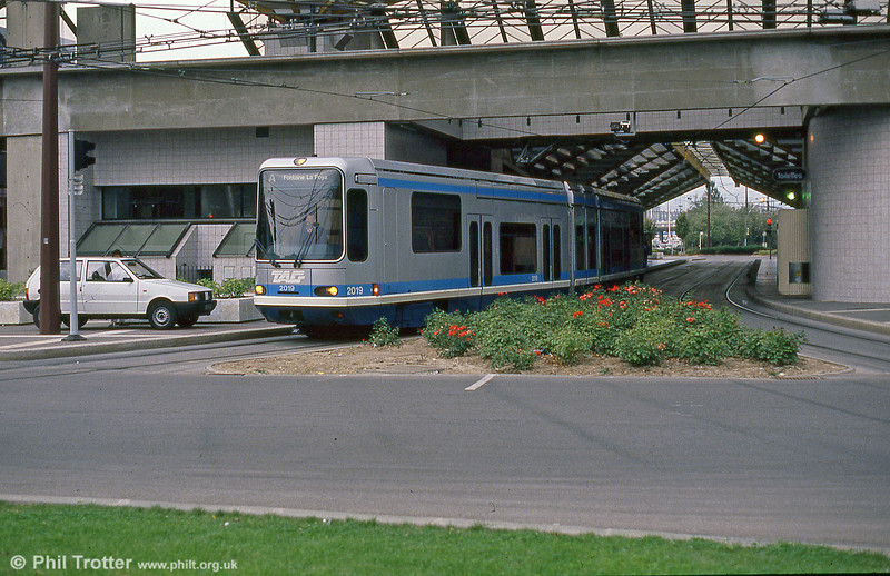 Car 2019 at Grand Place on 2nd September 1989.
