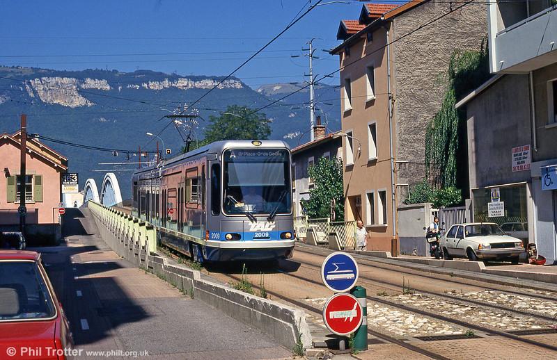 Car 2009 at Pont du Drac on 28th July 1993.