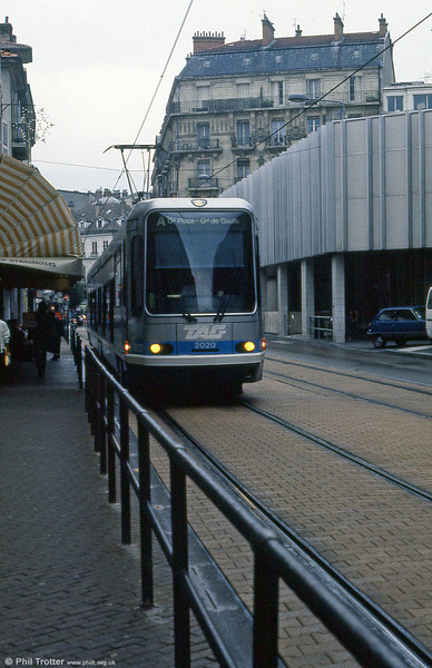 Car 2020 at Rue Raoul Blanchard on 2nd September 1989.
