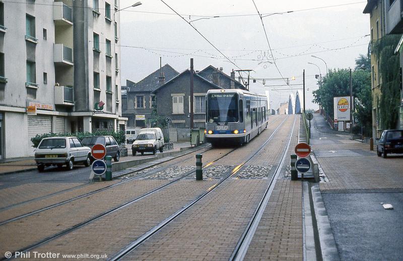 Car 2014 near Pont du Drac on 2nd September 1989.