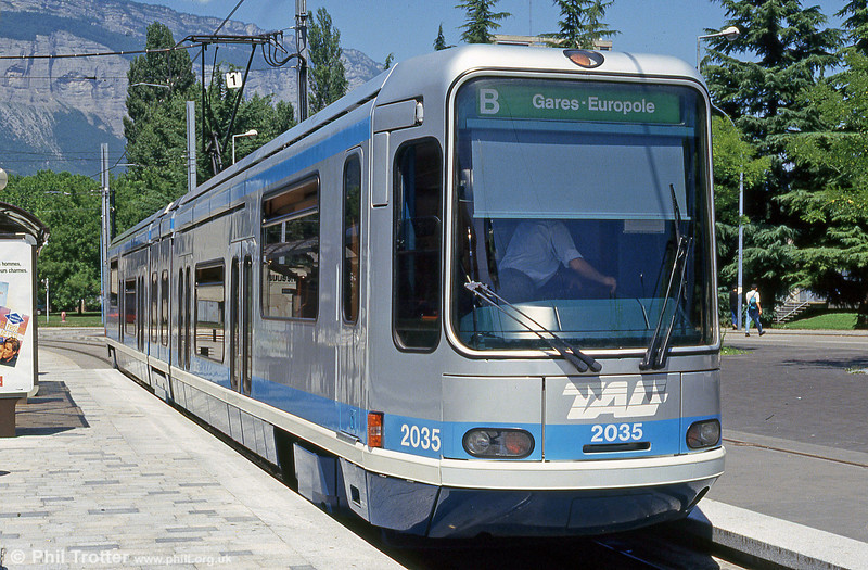 Car 2035 at the Universites terminus on 28th July 1993.