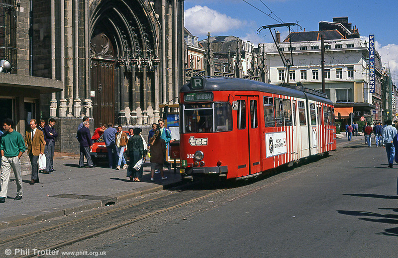 Lille 382 at Roubaix terminus, 28th August 1989.