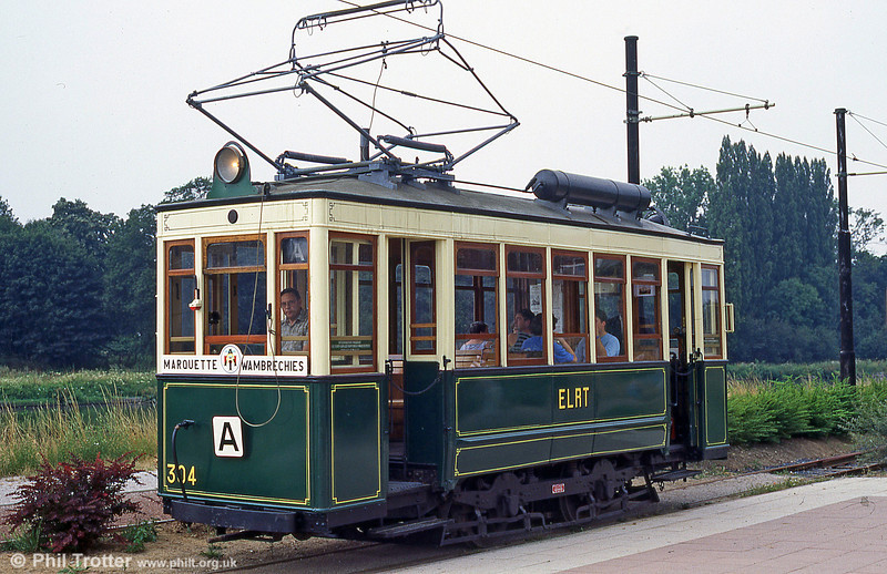 Lille (ELRT/SNELRT) car 304 of 1906 alongside the canalised River Deule at Wambrechies in August 1995.